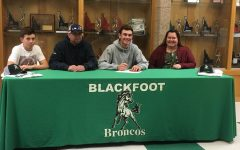 Payson Mills signs for college