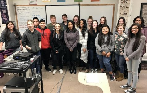 News reporter visits young journalists at local high school