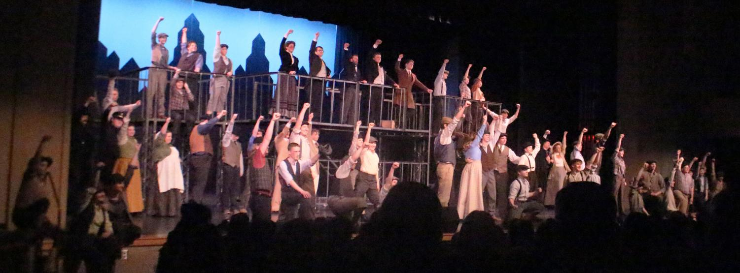 FINALE.+All+characters+from+Newsies+come+out+and+join+in+for+the+concluding+song.