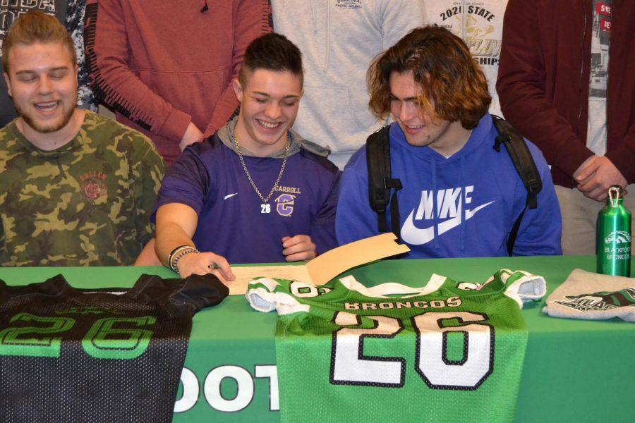 Teegan Thomas signs with Carroll College